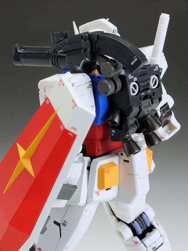 [Dengeki Hobbys REVIEW] MG 1/100 RX-78-02 Gundam (Gundam