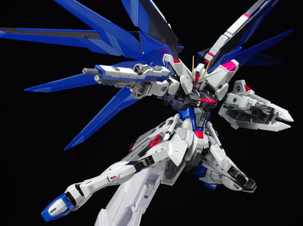 Metal Build Freedom Gundam Review