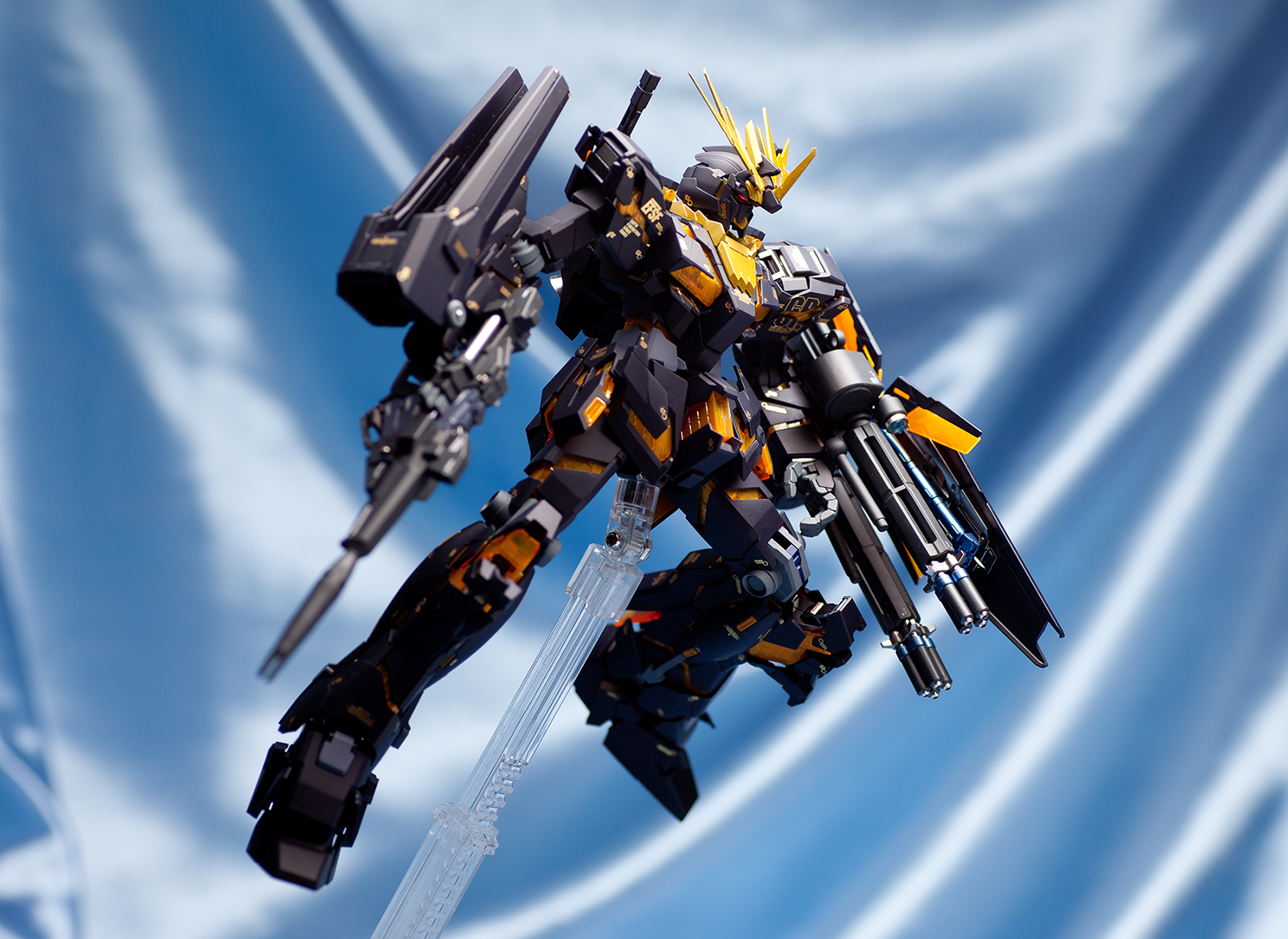 Perfect Review MG 1/100 RX-0 Unicorn Gundam 02 Banshee ...