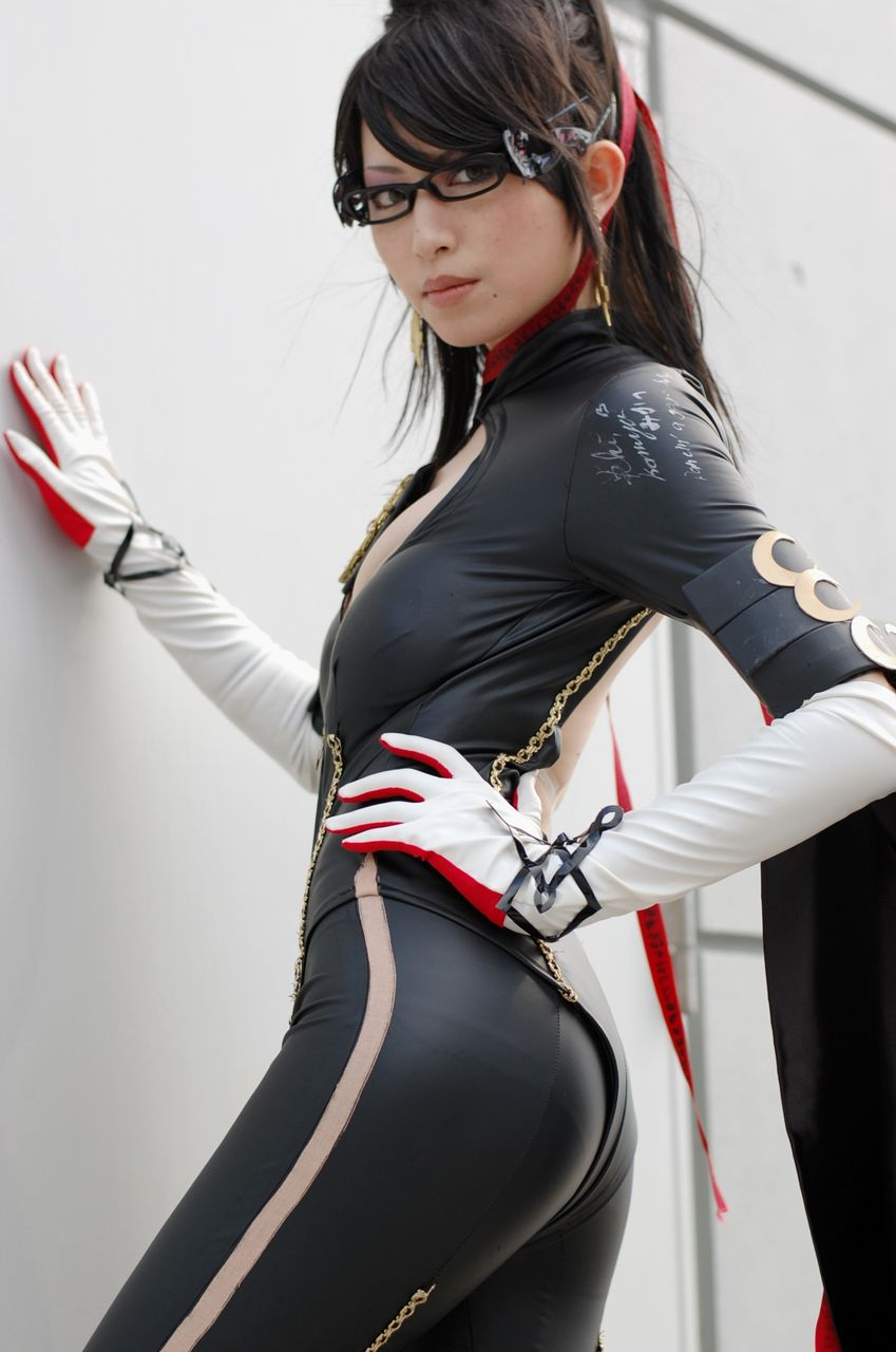 COSPLAY: I think this is the best BAYONETTA Cosplayer ever ...