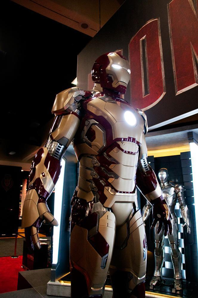 NEW Iron Man 3 Armor: ...