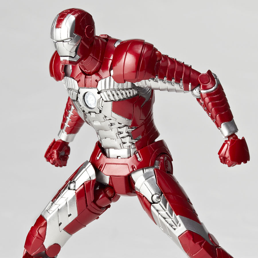 Sci-Fi Revoltech Series No.041 Iron Man Mark V: Full ...