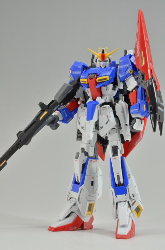 MSZ-006 Z Gundam GUNPLA RG Real Grade 1//144 Zeta Gundam BANDAI