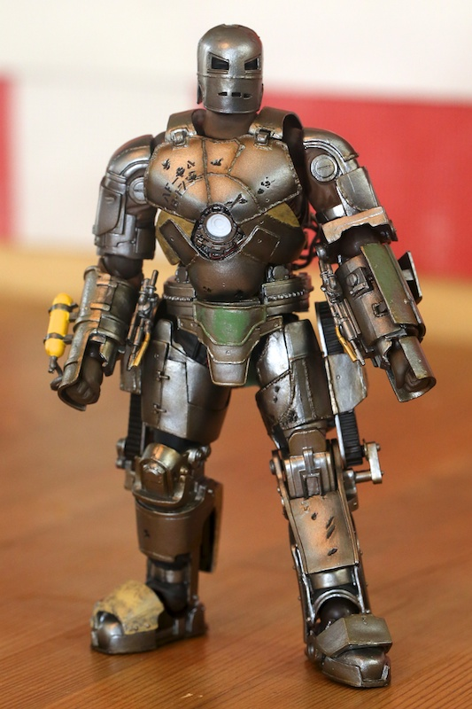 Sci-Fi Revoltech Series No.045 Iron Man Mark I : Full detailed Photoreview w/No.33 Big Size Images. August 2013 release
