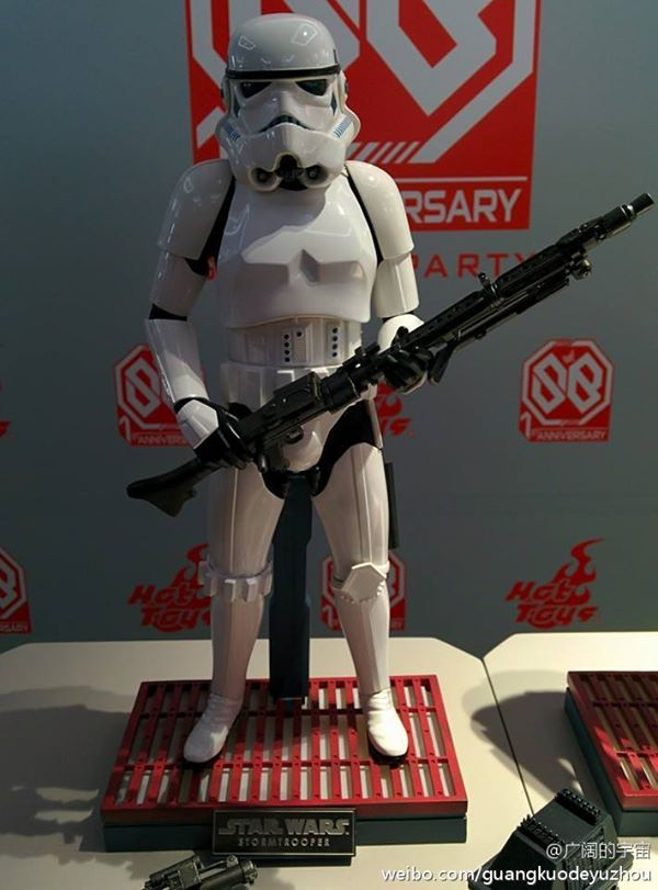Hot Toys x Star Wars: 1/6 STORMTROOPER: Photoreport Big Size Images