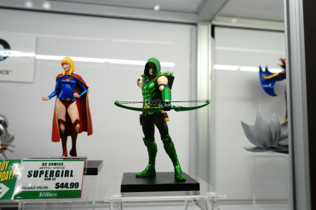 NYCC-2014-Kotobukiya-DC-comics-016