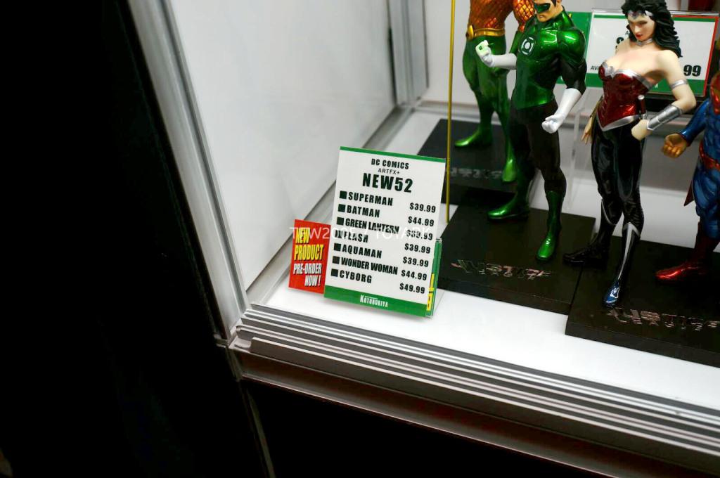 NYCC-2014-Kotobukiya-DC-comics-019