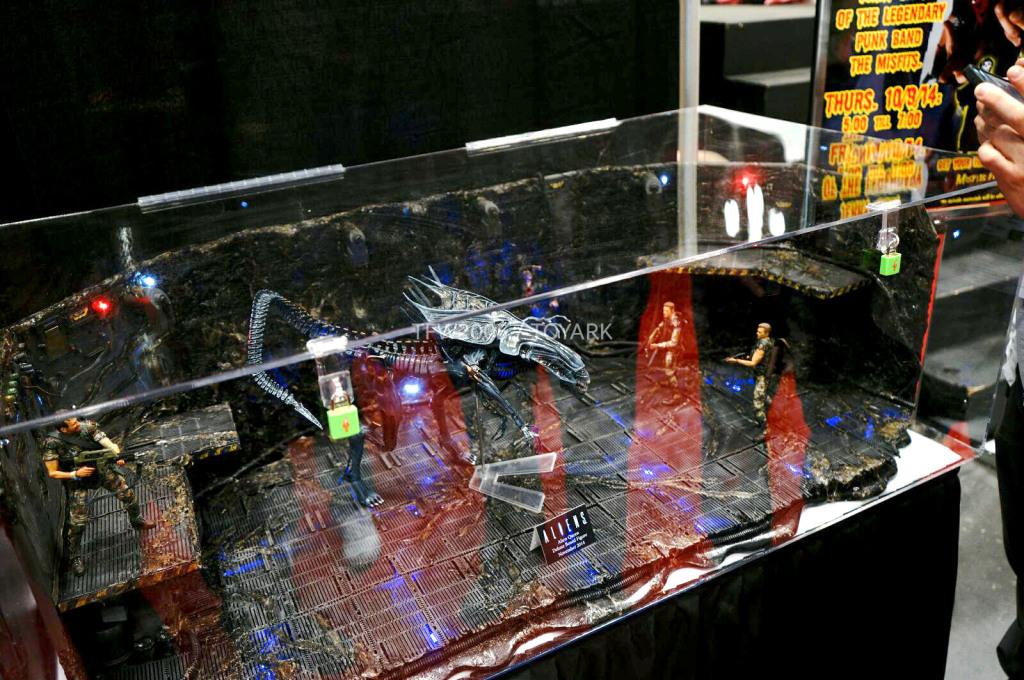 NYCC-2014-NECA-Alien-Queen-001