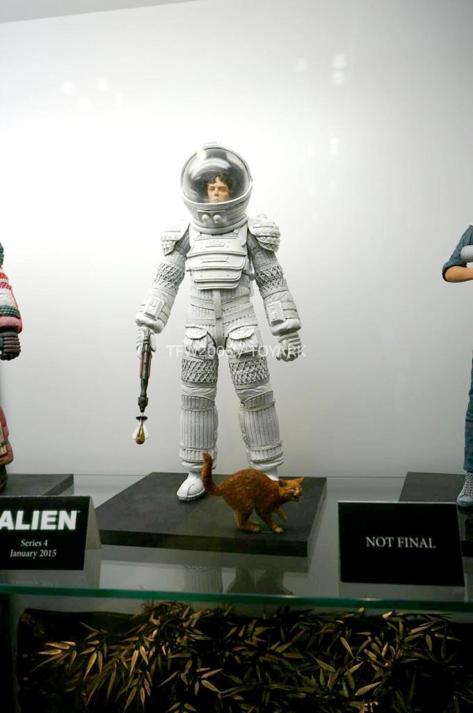 NYCC-2014-NECA-Aliens-011