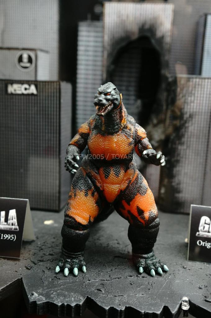 NYCC-2014-NECA-Godzilla-004