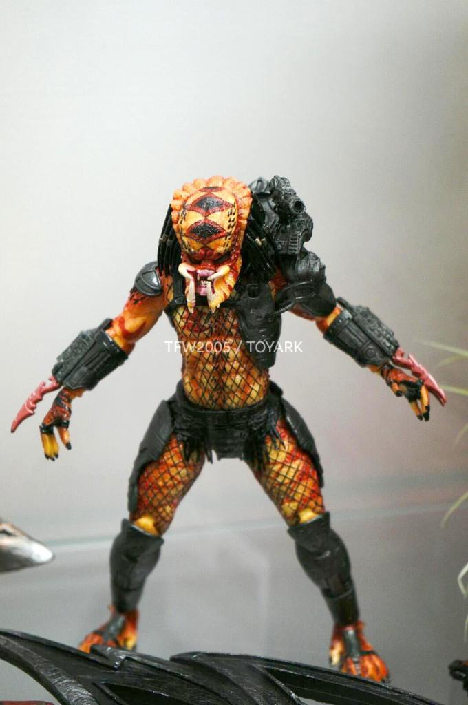 NYCC-2014-NECA-Predator-016
