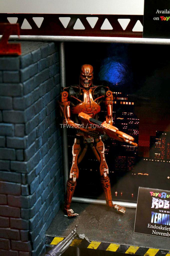 NYCC-2014-NECA-Video-Game-007