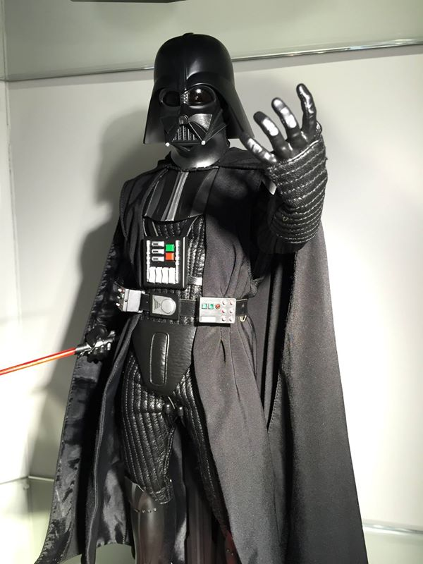Hot Toys x Star Wars: 1/6 Darth Vader episode 5. Official ...