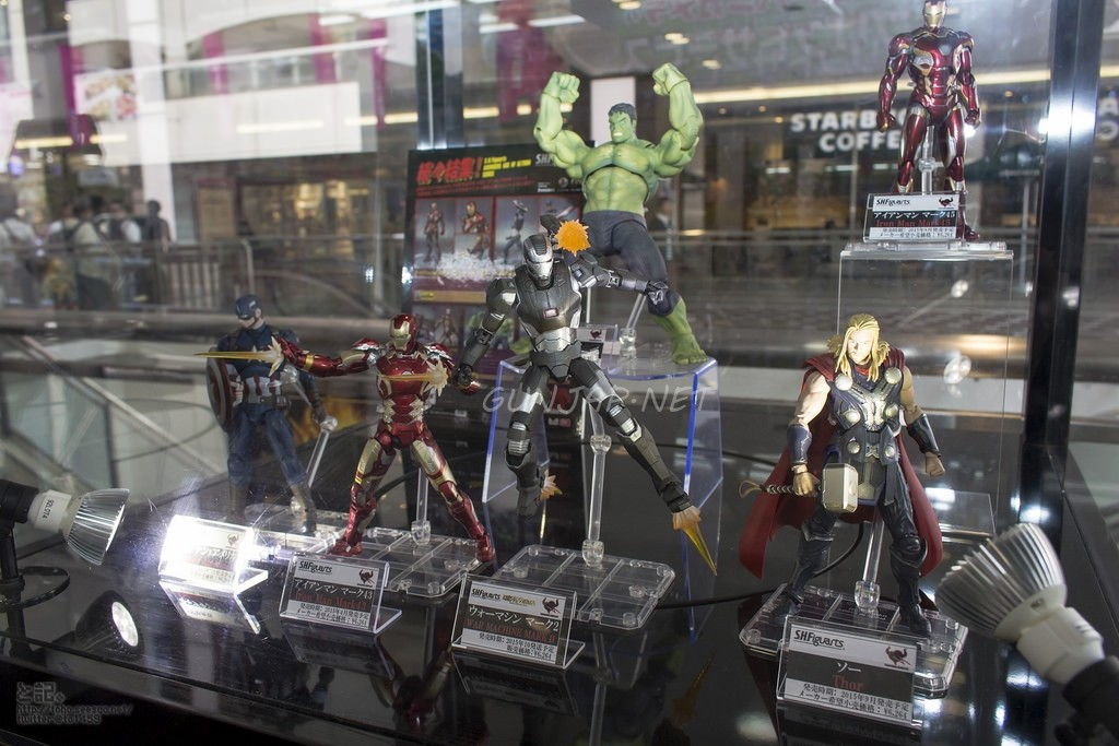 S.H.Figuarts x Avengers Age of Ultron: Iron Man Mk43, Hulk, Captain America, Iron Man Mk45, Thor, War Machine Mk2. Tamashii Showroom PHOTOREPORT No.39 Hi Res Images