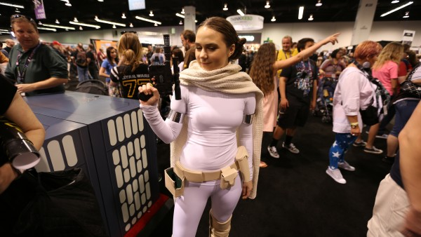 cosplay-star-wars-celebration-picture-15-600x338
