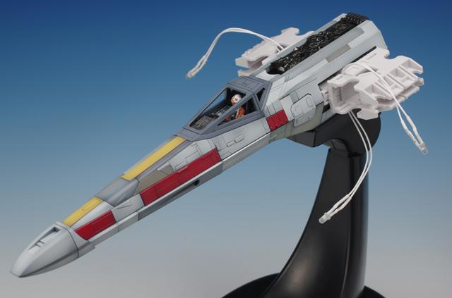 Bandai x Star Wars 1/48 X,Wing Starfighter MOVING EDITION