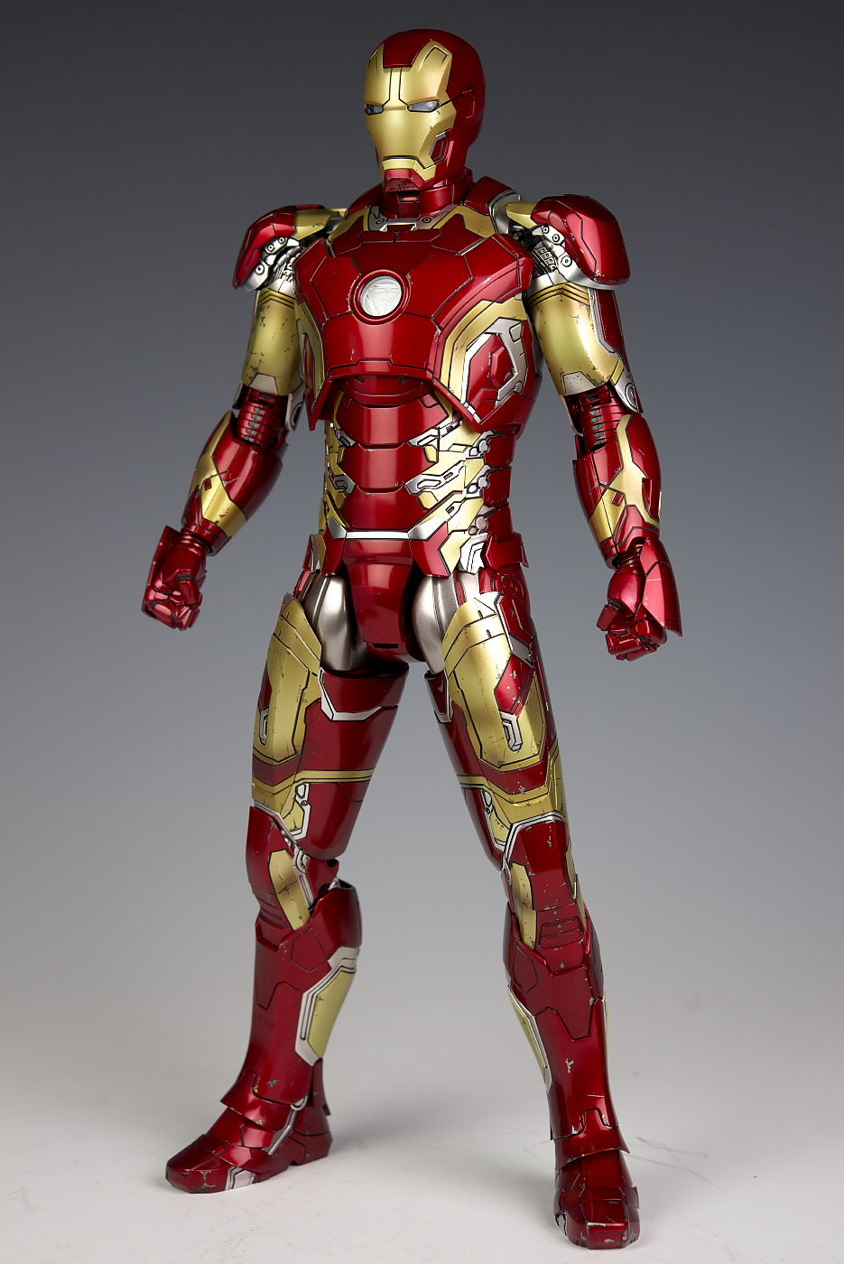 Avengers: Age Of Ultron] Hot Toys Movie Masterpiece DIECAST