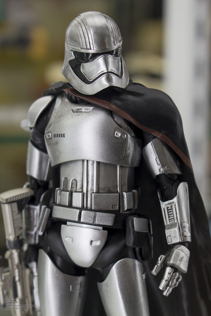 Bandai x Star Wars The Force Awakens S.H.Figuarts CAPTAIN PHASMA on display: Photo Report
