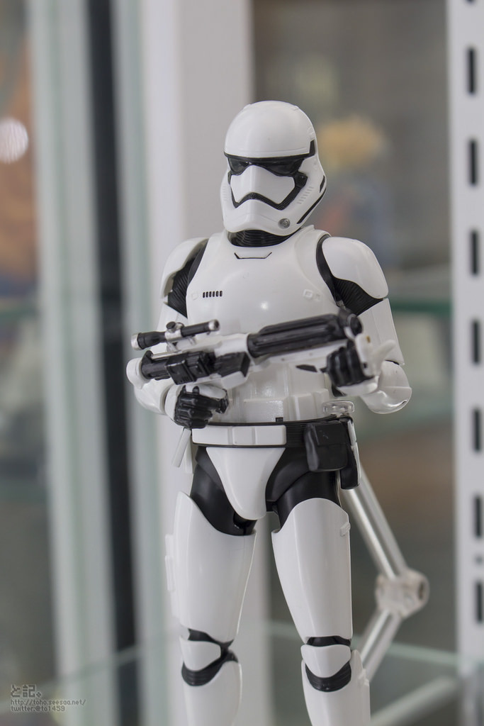 Bandai x Star Wars The Force Awakens S.H.Figuarts First Order STORMTROOPER on display: Photo Report