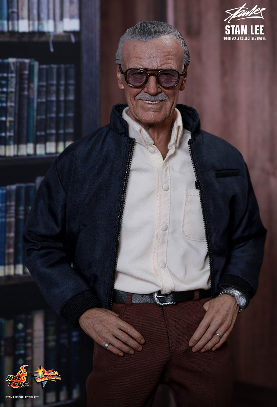 Preview    Hot Toys U2019s 1  6 Stan Lee  Official Photo Review
