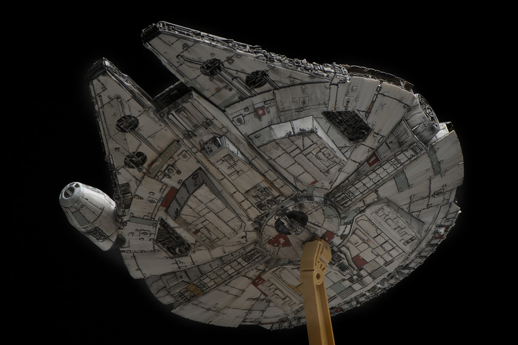Bandai x Star Wars The Force Awakens 1/144 MILLENNIUM FALCON: Modeled by wtfhi. PhotoReview Many Full Sized Images