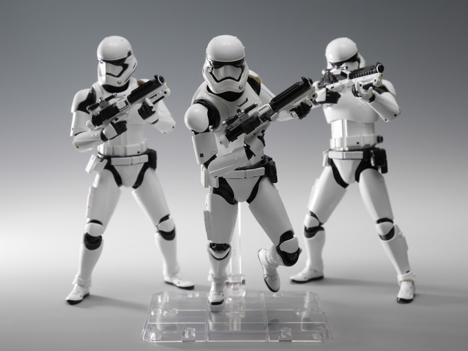 SHFIGUARTS_STAR_WARS_FIRST_ORDER_STORM_TROOPER_15CM_22_DEC2015_BANDAI_5400.jpg~original