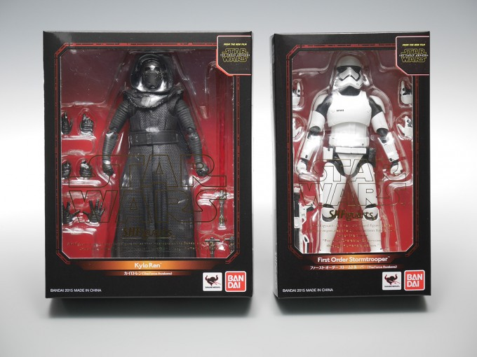 SHFIGUARTS_STAR_WARS_THE_FORCE_AWAKENING_KYLO_REN_16CM_13_DEC2015_BANDAI_5940.jpg~original