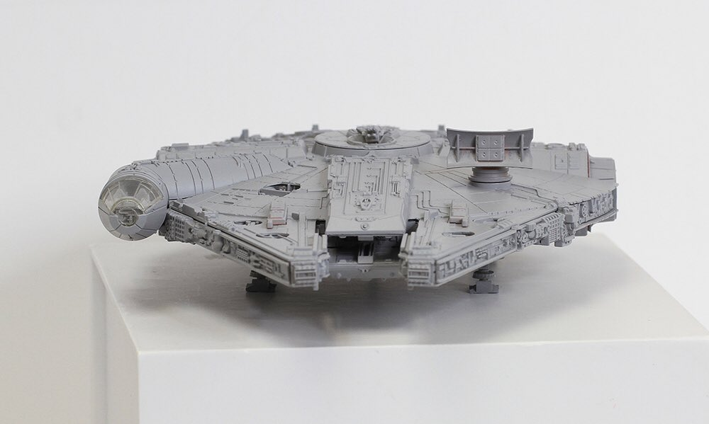 Dragon Models 1/144 MILLENNIUM FALCON (Star Wars The Force Awakens Ver.) First Official Image, credits