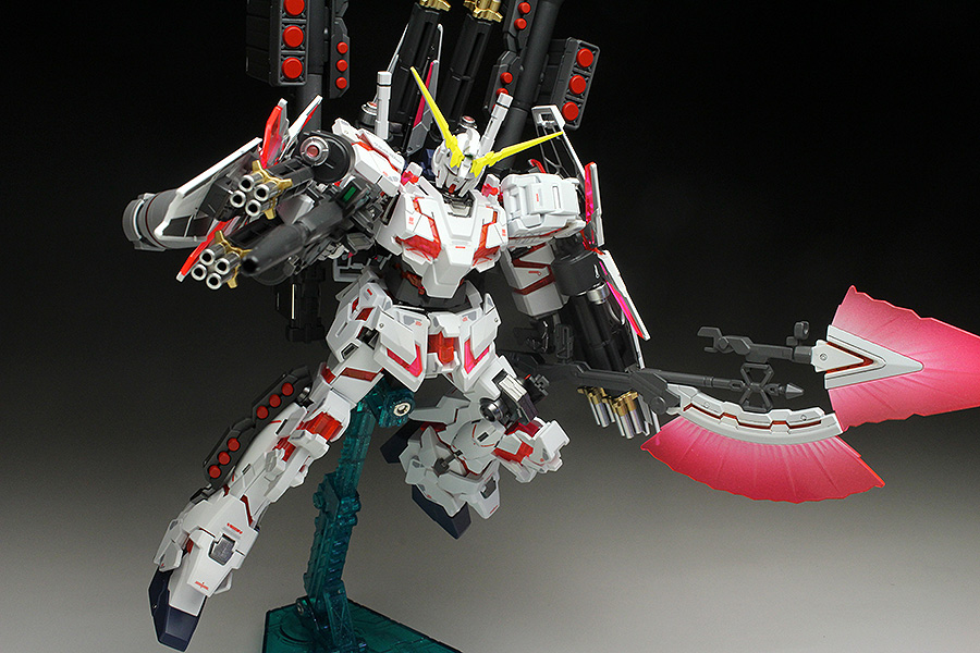 FULL ARMOR UNICORN GUNDAM [DESTROY MODE / RED COLOR VER.]