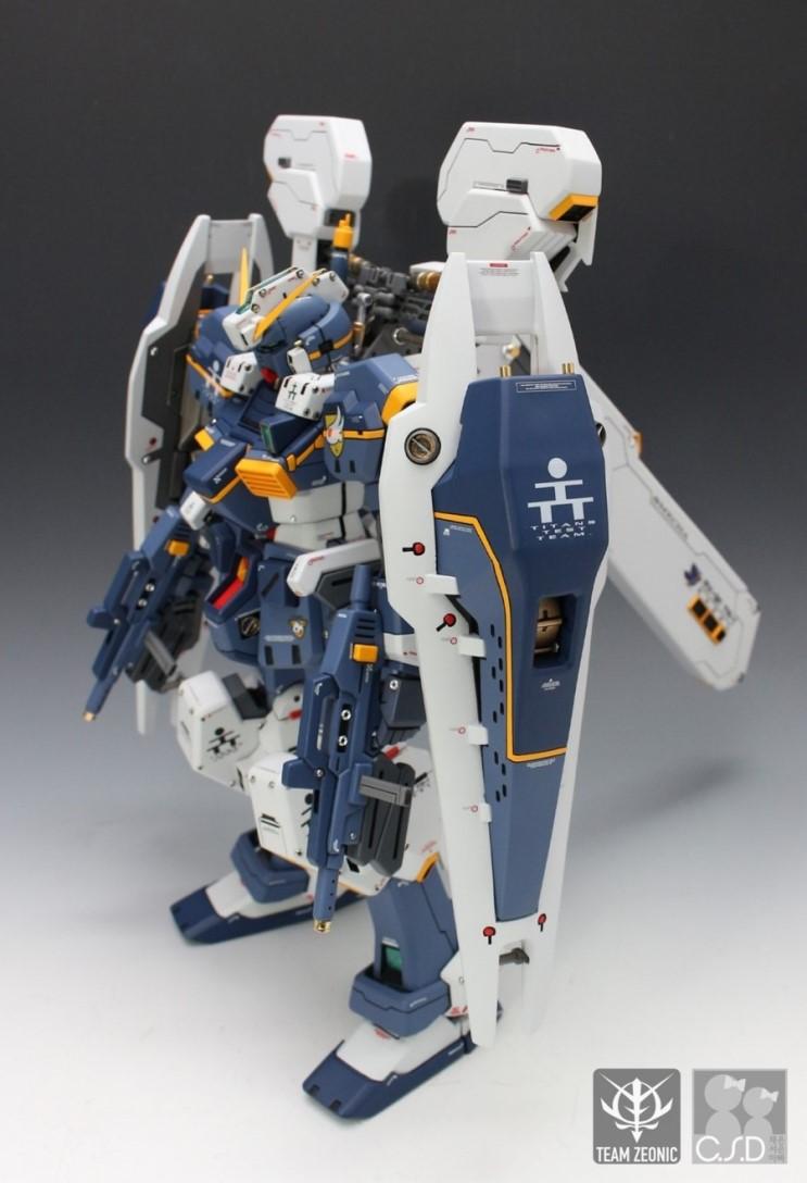 G-System 1/72 scale RX-121 GUNDAM TR-1