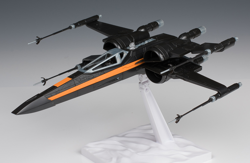 The Force Awakens 1/72 POE'S X-WING FIGHTER