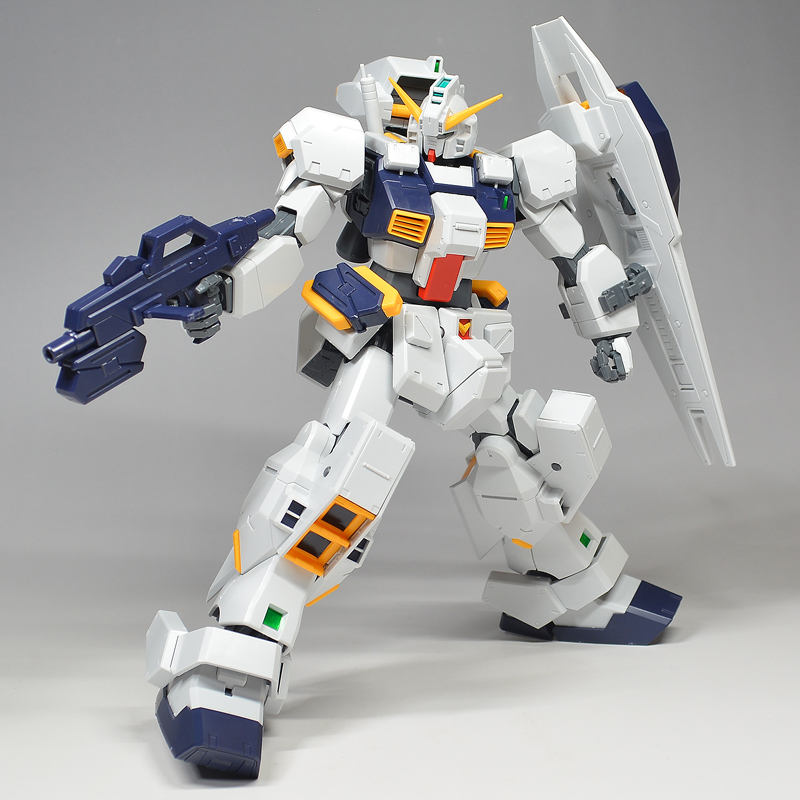 [FULL REVIEW] P-Bandai MG 1/100 GUNDAM TR-1 HAZEL CUSTOM (No.95 Images!!! credits)