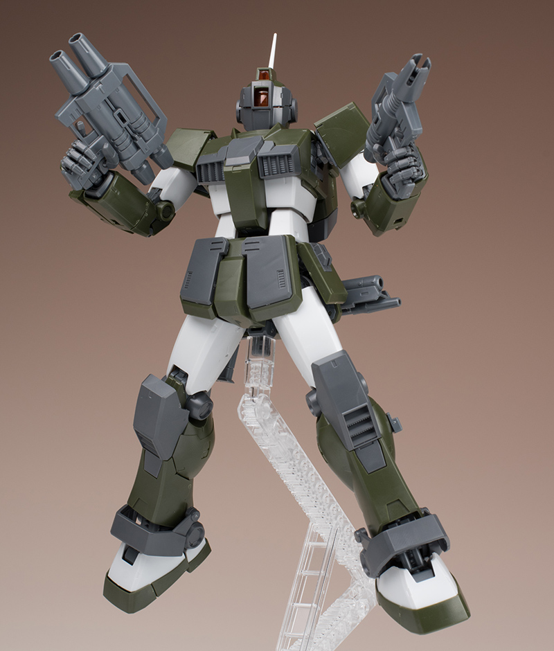 FULL REVIEW: P-Bandai MG 1/100 TENNETH A. JUNG's GM SNIPER CUSTOM