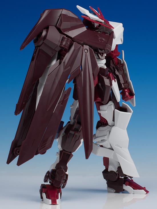 Gundam Astray No Name tampak dari samping