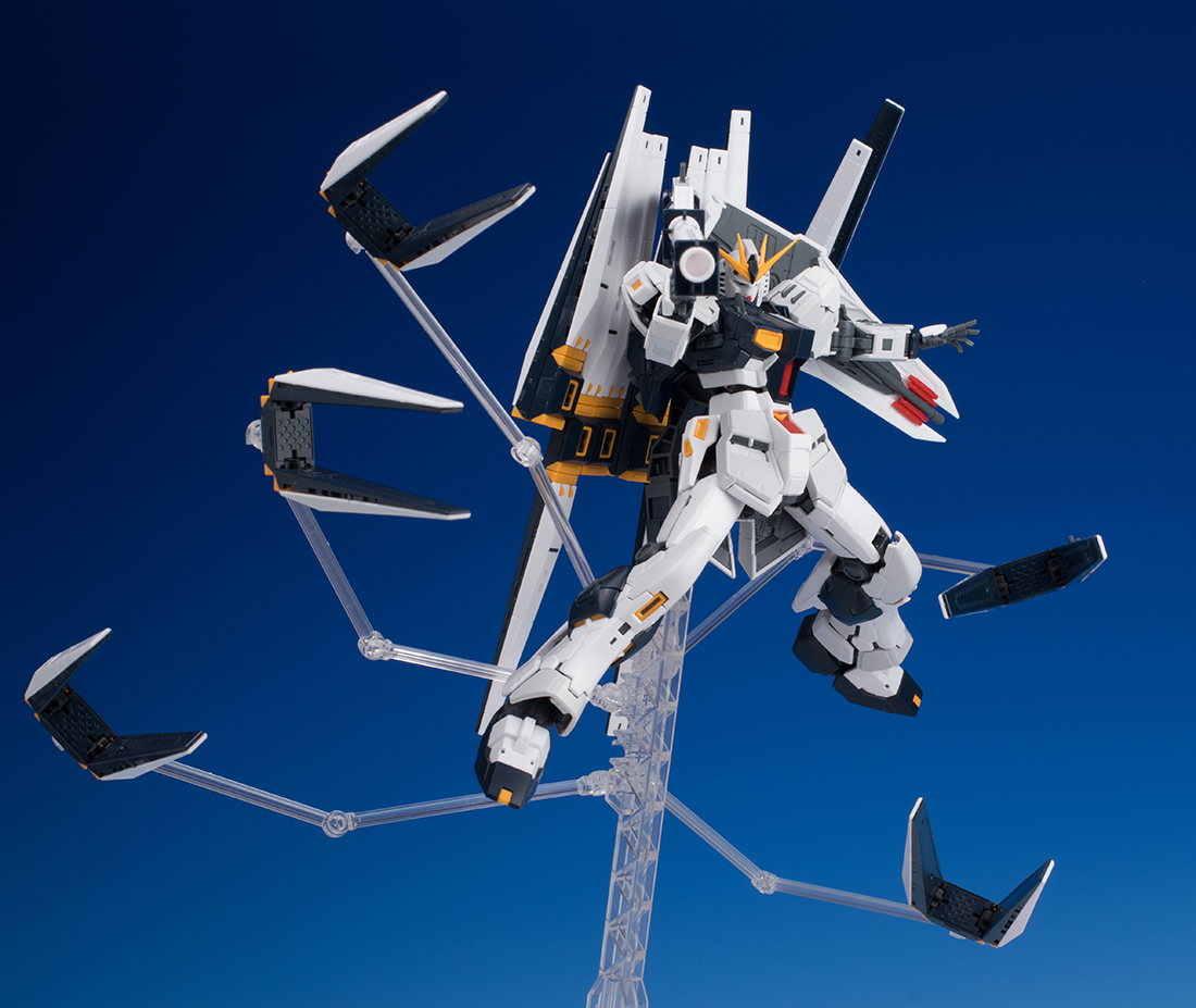 REVIEW P-Bandai RG 1/144 EXPANSION PARTS for Nu GUNDAM DOUBLE FIN FUNNEL CUSTOM UNIT