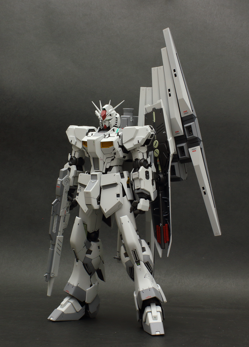 SOMA's MG 100 Nu Gundam Ver.Ka Test Machine Color: (images, wip too)