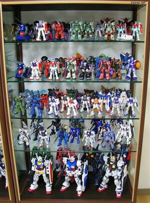 Gunpla gallery showing various grades and scales. Courtesy of Dalong's Gunpla Review.
