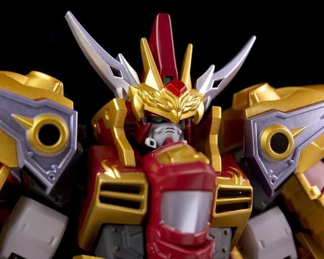 closeup head for the Cao Cao Gundam Real Type
