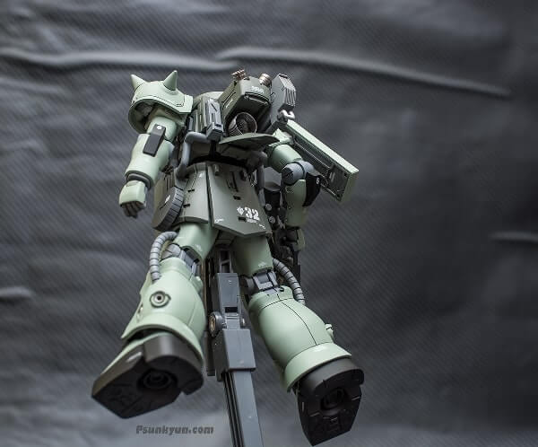rear view on display stand for the zaku stutzer