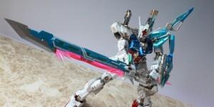 MG 1/100 GAT-X105+AQM/E-X02 Sword Strike Gundam Custom: Photo Review
