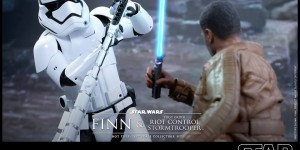 Hot Toys x Star Wars The Force Awakens: 1/6 FINN and Riot Control Stormtrooper. Many Official Images, Full ENG Info