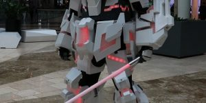 Featuring UbersCosplay as Unicorn Gundam mecha-cosplay: Amazing images and Work! Info